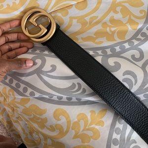 Black leather Gucci Belt